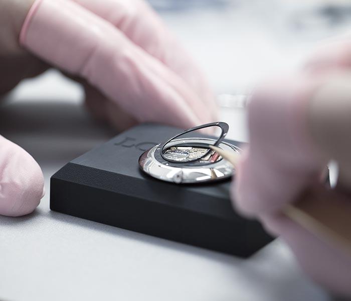thay pin đồng hồ uy tín