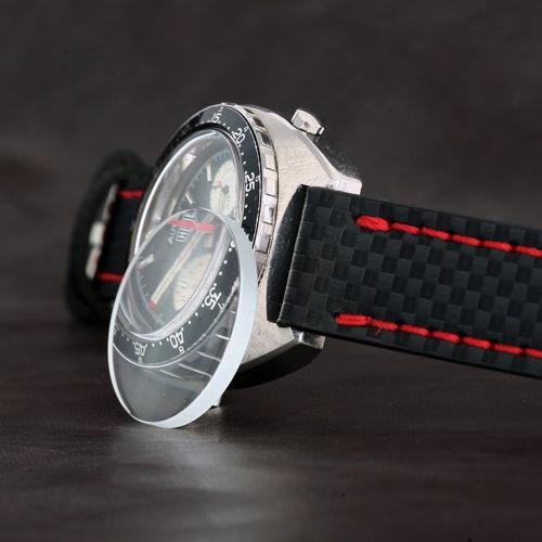 mặt kính khoáng đồng hồ có chống xước hay không
