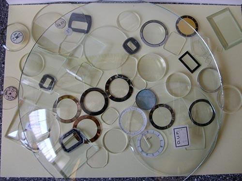 Mặt kính khoáng là gì