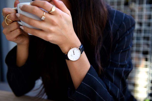 cách đeo đồng hồ nơi công sở