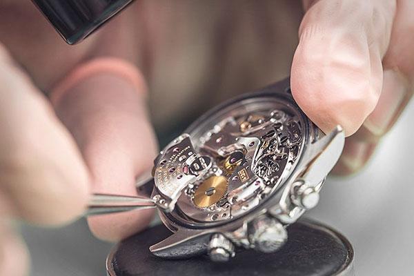 sửa chữa đồng hồ