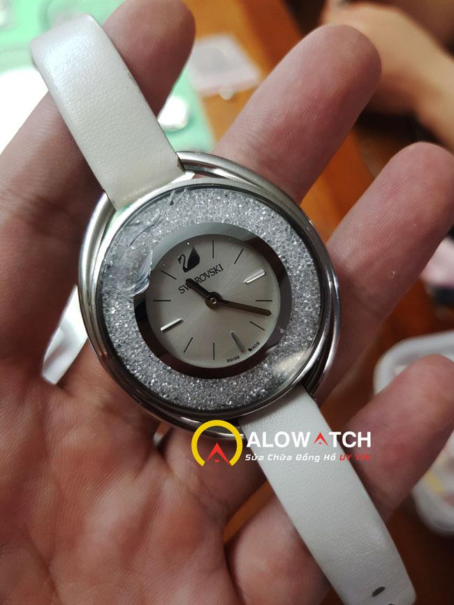 mặt kính đồng hồ swarovski